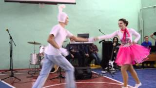 Танец 'Маша и Медведь'