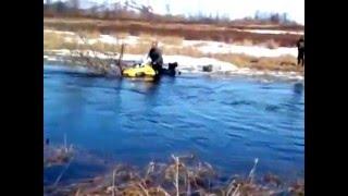 Русский экстрим на Камчатке. На снегоходах по дну реки.(Экстремальное пересечение реки на снегоходах., 2016-03-19T07:38:03.000Z)