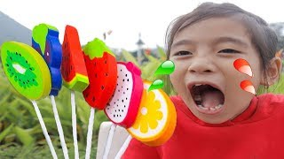Learn Colors with Fingers Family Kid Song Colorful Fruit candy Lollipop Nursery Rhymes for Kids