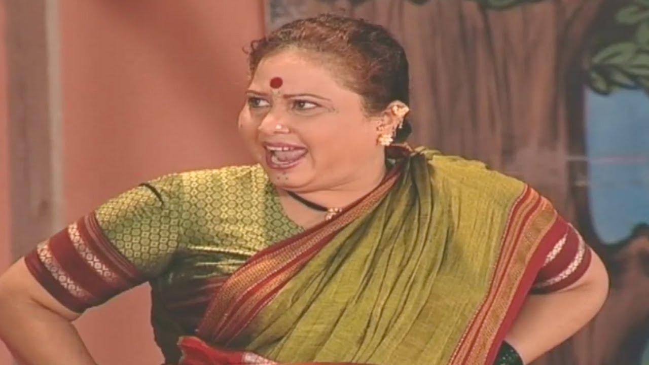 Mohan Joshi, Savita Malpekar- Gadhavach Lagn Comedy Scene 12/15