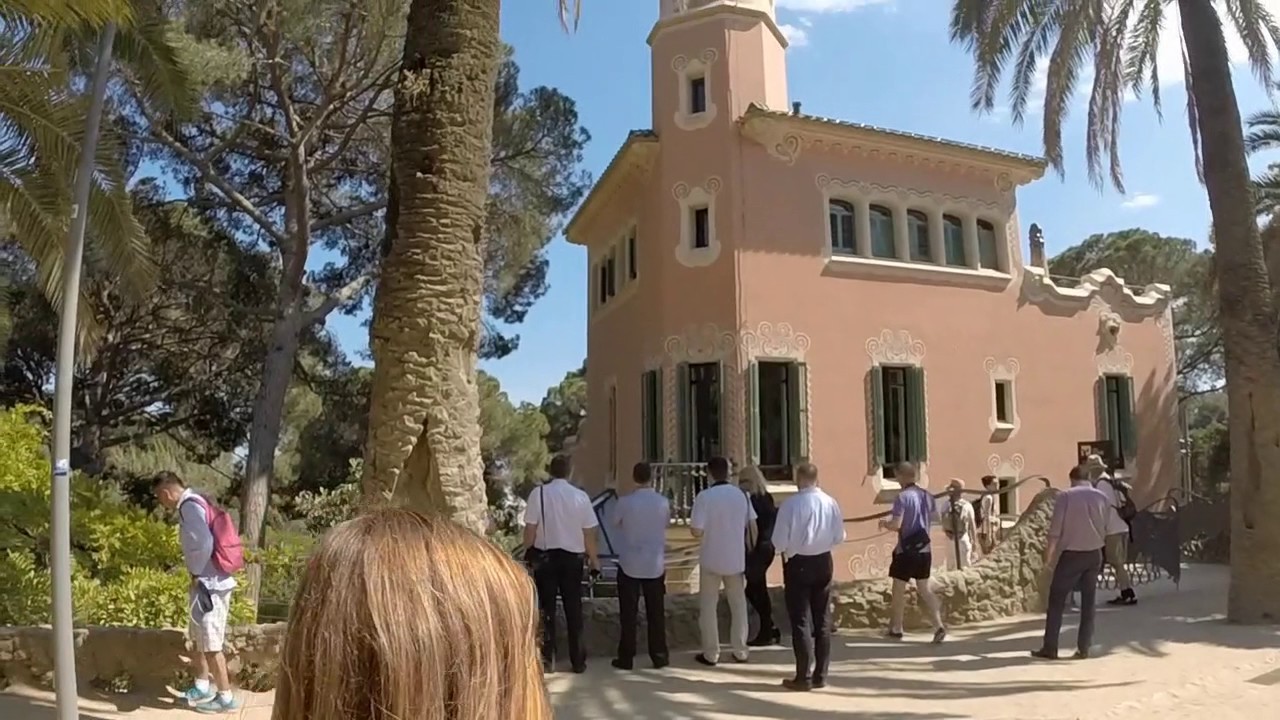 e77fb83002 VLOG - Guell Park (with live music) - Gaudi House Museum- Barcelona ...