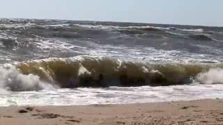 Большие волны на Азовском море