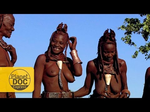 HIMBA TRIBE PASTORI DELLA NAMIBIA WOMEN ANH THEIR DIFFICULT