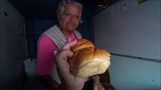 76. Еда в индийском поезде. Популярное блюдо в Махараштре. Приехали в Пуну. Индия