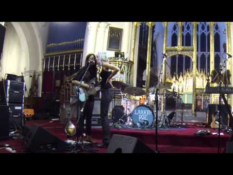 "Larkin Poe, ""Take Me Back"", encore at Wigan Parish Church, Aug 2013"