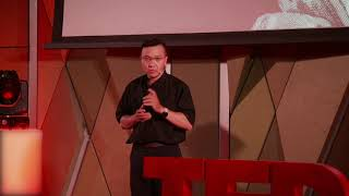 Being aware of others' needs is the first step towards oneness | Phuong Dinh Toai | TEDxBachDang