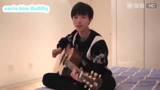 [TFBOYS] Vương Tuấn Khải (王俊凯) vừa đàn guitar vừa hát