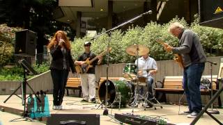 "Robin Campbell Band ""I Got a Bag of My Own"" People in Plazas"