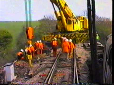 Rerailing 37273 Canton and Old Oak common breakdown gangs recover the loco