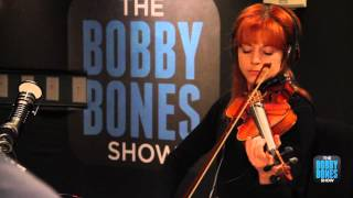 Lindsey Stirling rocks out with the violin live not the Bobby Bones...