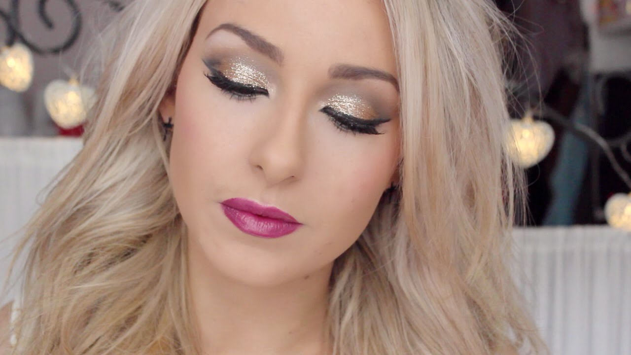 christmas new years eve makeup look gold glitter eye. Black Bedroom Furniture Sets. Home Design Ideas