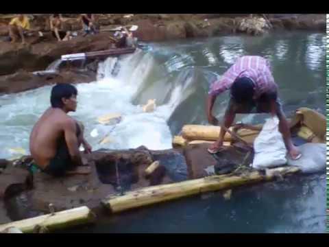 Proses Penangkapan Ikan Epun di Kali Jangkok