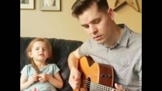 Emocionante Linda demais - Garotinha talentosa cantando com o pai