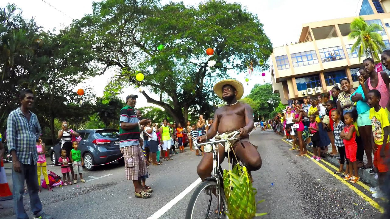 Carnaval international de seychelles 2015 la digue youtube for Garage de la digue
