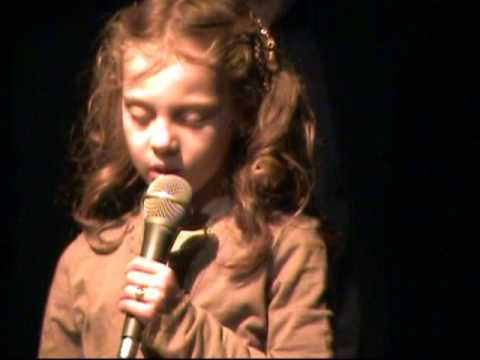 Little girls sings Amazing Grace...adorably! - YouTube