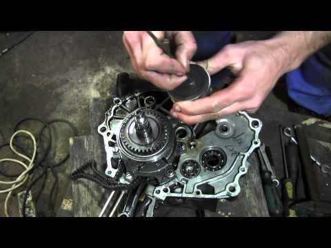 видео: СВОИМИ РУКАМИ: Ремонт двигателя geon nac 250cc 2 Часть