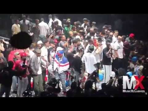 """Puff Daddy & The Family Performs """"I'll Be Missing You"""" at Bad Boy Family Reunion show in Brooklyn"""