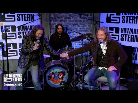 The Black Crowes Announce Their Reunion on the Howard Stern Show