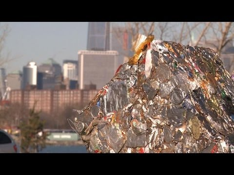 New York opens one of the world's biggest recycling facilities