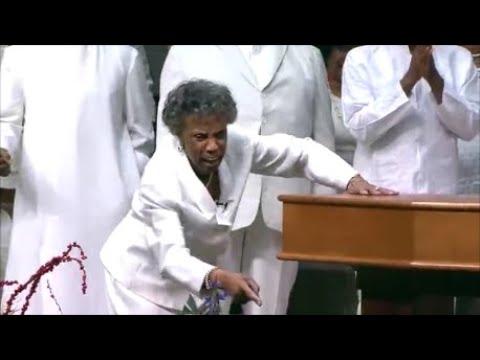 Dr. Lou Della Evans Reid Choir Praise Break At Rev. Clay Evans Celebration Of Life