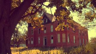 ABANDONED Mansion URBEX in Ballenger Creek: Bloody Walls and Creepy Dolls
