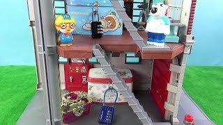 방탈출하기! 토이컴의 첫번째 방탈출 미션! 유령의 집 탈출하기~ ❤ 뽀로로 장난감 애니 ❤ Pororo Toy Video | 토이컴 Toycom