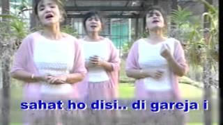 "Lagu Natal Batak ""Begema giring giring i"" Nainggolan Sister"