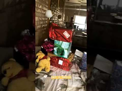 Hina Khan Opening Birthday Gifts Sent By Fans
