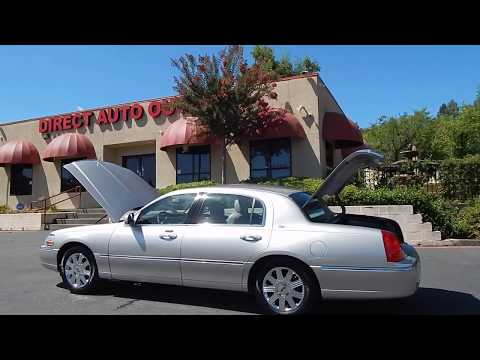 2003 Lincoln Town Car Cartier edition video overview and walk around.