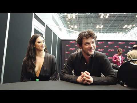 NYCC 2019  | Roswell, New Mexico | Jeanine Mason & Nathan Parsons