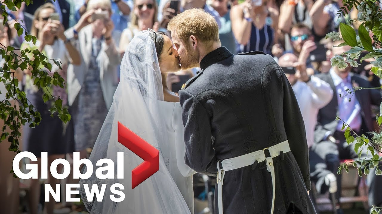 15+ Meghan Markle Wedding Looking At Harry