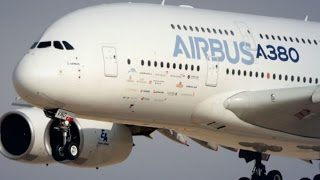 Emirates to Buy 100 More A380s If Airbus Upgrades: Clark