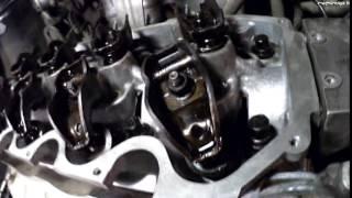 ставим двигатель на автомобиль Chery Amulet , проворачиваем стартером