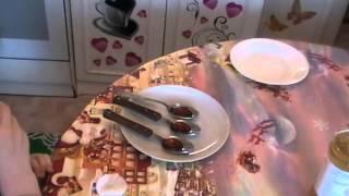 Как дома самим сделать карамель на палочке?(Александр Ноаожилов видео Каркмель на палочке., 2015-08-25T16:41:43.000Z)