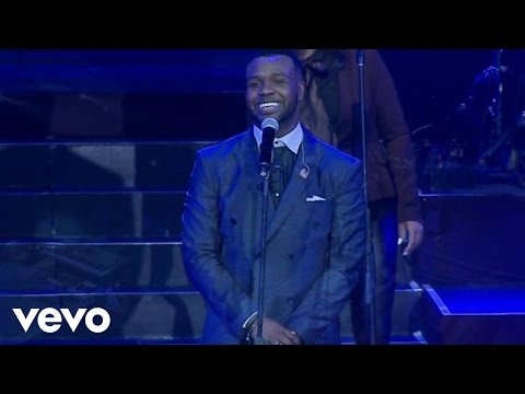 VaShawn Mitchell - Jesus Reigns ft. Tasha Cobbs