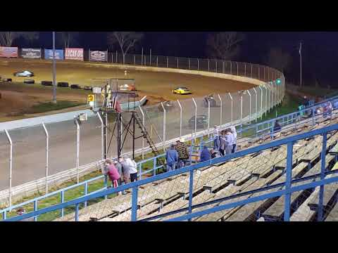 Hornets feature race at Florence speedway 4/6/19