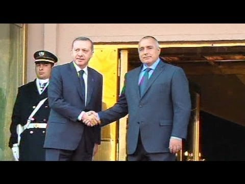 Bulgaria and Turkey sign gas pipeline deal