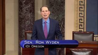 Wyden Remembers Victims & Roseburg Community 1 year After UCC Shooting