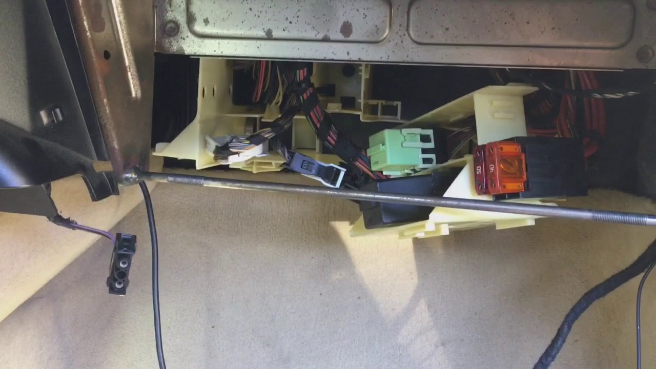 2001 bmw e39 540i fuel pump relay [ 1280 x 720 Pixel ]