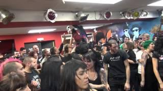 GENERACION SUICIDA- Mil amores (Casal de joves de Roquetes 4-1-14)