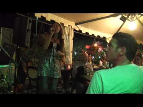 Melanie al karaoke