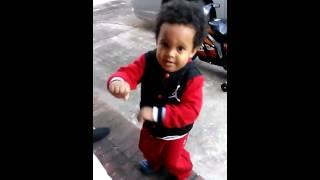 baby jaylyn hitting the shmurda shmurda dancing baby