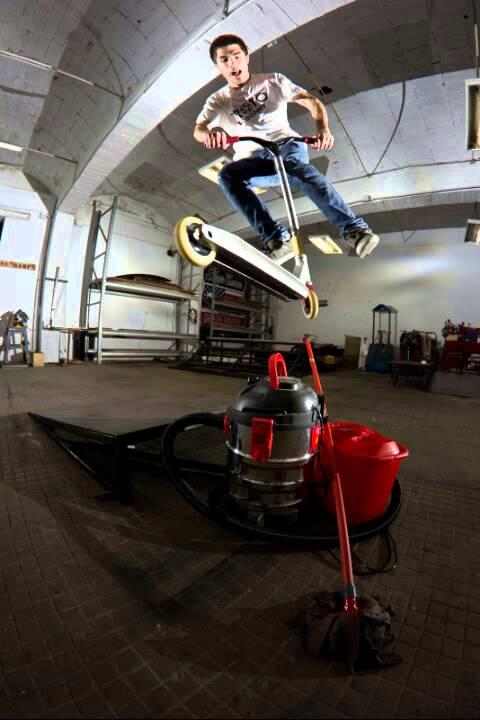 Аксессуары, комплектующие купить гироскутеры, ролики, самокаты и скейтборды во владивостоке!. Цены.