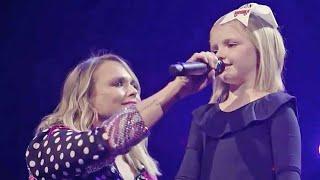 Download Miranda Lambert Loses It When Little Remi Starts Singing Mp3 and Videos