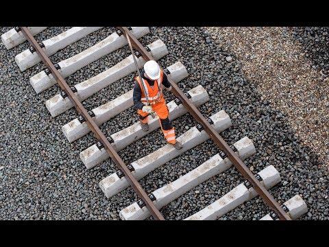 WENIGER VERSPÄTUNGEN: Bahn