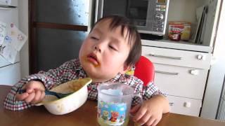 しんちゃん睡魔と闘う thumbnail