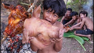 Primitive Technology - Cooking pig head Recipe - Eating delicious