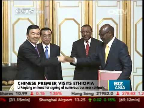 Li Keqiang on hand for signing of numerous contracts in Ethiopia