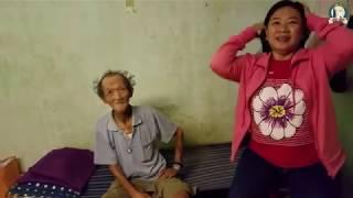 Đội mưa trao duyên lành đến cụ ông 71 tuổi