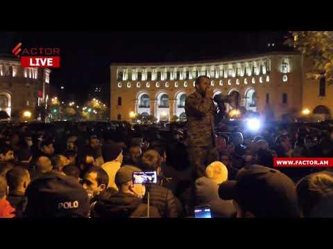 Քաղաքացիները  մեքենայի վրայից իջեցրին Խաչիկ Ասրյանին